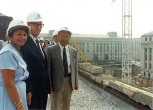 1990, settembre prima pietra del Museo dell'Olocausto a Was